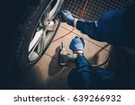 seasonal tire replacement. car... | Shutterstock . vector #639266932