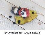 little teddy bear   Shutterstock . vector #643558615