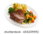 Grilled Beefsteak With Potatoe...