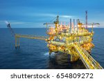 industrial offshore oil and gas ... | Shutterstock . vector #654809272