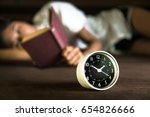 time of student reading books... | Shutterstock . vector #654826666