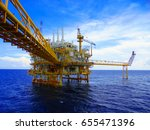 oil gas production platform.... | Shutterstock . vector #655471396