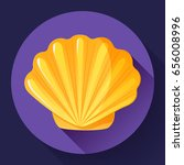 Gold Sea Shell Icon Vector...
