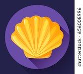 Gold Sea Shell Icon Vector...