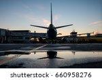 ground handling of a passenger...   Shutterstock . vector #660958276