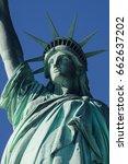 american symbol   statue of... | Shutterstock . vector #662637202