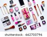 concept online shopping... | Shutterstock . vector #662703796