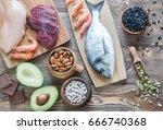 food sources of zinc | Shutterstock . vector #666740368