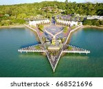 langkawi eagle statue malaysia  ...   Shutterstock . vector #668521696