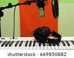 keyboard piano | Shutterstock . vector #669850882
