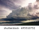 Nube Gigante Con Lluvia En La...