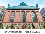 Small photo of Harold Washington Library Center building in downtown Chicago, Illinois, USA