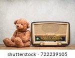 retro broadcast radio receiver... | Shutterstock . vector #722239105