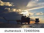 offshore construction platform... | Shutterstock . vector #724005046