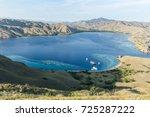gili laba  komodo national park.... | Shutterstock . vector #725287222