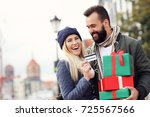 picture of couple shopping for