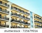 modern  luxury apartment... | Shutterstock . vector #725679016