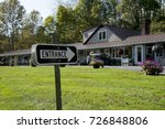 entrance sign pointing at motel ... | Shutterstock . vector #726848806