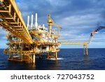 oil rig with oil and gas... | Shutterstock . vector #727043752