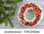Delicious Pavlova Cake Wreath...