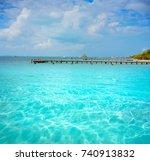 isla mujeres island caribbean... | Shutterstock . vector #740913832