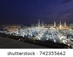 masjid al nabawi or nabawi...   Shutterstock . vector #742355662