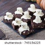 Halloween's Brownies With...