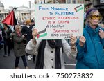 4th November 2017, London, United Kingdom:-Pro Palestine protesters march infront of Pro Israeli marchers - stock photo