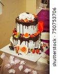 Wedding Cake With Chocolate.