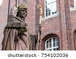 Travel To Germany   Statue Of...