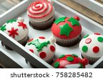 Cupcakes On Christmas Decorate...