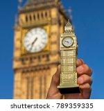 Miniature Souvenir Big Ben Hol...