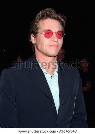 """03APR97:  Actor VAL KILMER at the premiere in Los Angeles of his new movie, """"The Saint,"""" in which he stars with Elizabeth Shue. Pix: PAUL SMITH - stock photo"""