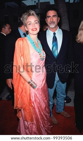 """16AUG99:  Actress SHARON STONE & husband PHIL BRONSTEIN at the world premiere, in Beverly Hills, of her new movie """"The Muse"""" in which she stars with Andie McDowell.  Paul Smith / Featureflash - stock photo"""