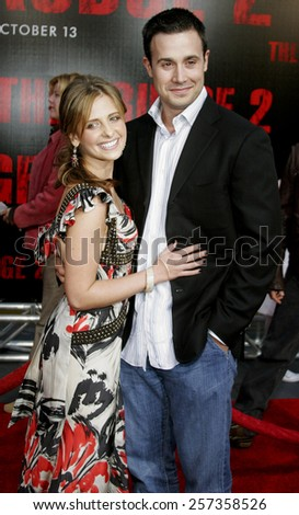 "10/08/2006 - Buena Park - Freddie Prinze Jr. and wife Sarah Michelle Gellar attend the World Premiere of ""The Grudge 2"" held at the Knott's Berry Farm in Buena Park, California, United States."