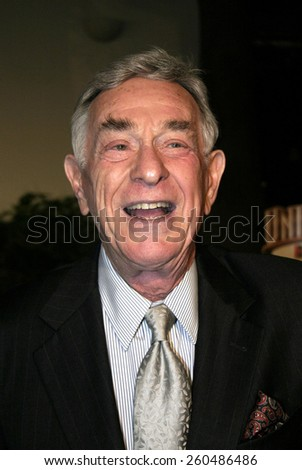 16 December 2004 - Hollywood, California - Shelley Berman. The premiere of 'Meet The Fockers' at the Universal Amphitheatre Universal Studios in Hollywood. - stock photo