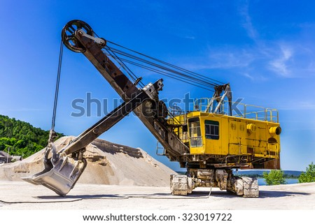 excavator for mining of limestone and gravel