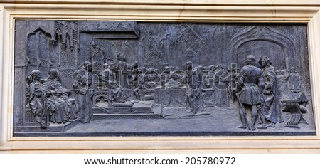 1492 Isabella and Ferdinand in Court with Columbus Bronze Statue Andalusia Granada Spain.  Statue made in 1892 in Rome. - stock photo