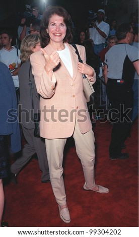 "23JUN99: Paramount Pictures boss SHERRIE LANSING at the world premiere of the animated movie ""South Park: Bigger, Longer & Uncut"" at the Manns Chinese Theatre in Hollywood.  Paul Smith / Featureflash"