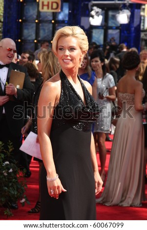 LOS ANGELES - AUG 29:  Kate Gosselin arrives at the 2010 Emmy Awards at Nokia Theater at LA Live on August 29, 2010 in Los Angeles, CA