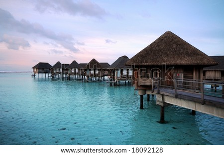 :-) Maldives' Water Villa