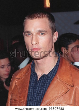 """16MAR99:  Actor MATTHEW McCONAUGHEY at the world premiere of """"EDtv"""" in which he stars.  Paul Smith / Featureflash - stock photo"""