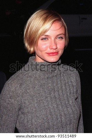 """06MAR98:  Actress CAMERON DIAZ at the Hollywood premiere of boyfriend Matt Dillon's new movie, """"Wild Things,"""" in which he stars with Neve Campbell and Kevin Bacon. - stock photo"""