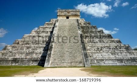 Mayan ruines in Chichen Itza, Yucatan, Mexico - stock photo