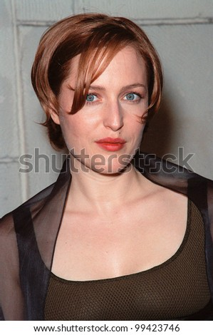 """20OCT99: Actress GILLIAN ANDERSON at the Los Angeles premiere of the Japanese animated movie """"Princess Mononoke"""" for which she supplies the voice for one of the characters.  Paul Smith / Featureflash - stock photo"""