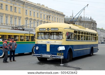 23.10.2016.Russia.Saint-Petersburg.The city put up a historic trolley.