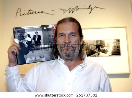9 September 2004 - Beverly Hills, California - Jeff Bridges. Jeff Bridges Photo Exhibition and Book Signing at the Brooks Brothers in Beverly Hills.  - stock photo