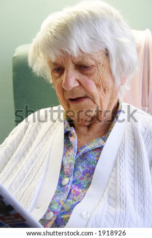 93 year senior citizen reading