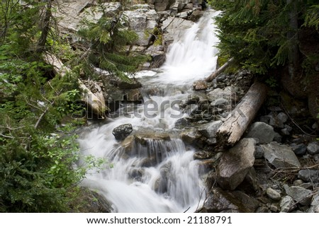 A beautiful waterfall in the northern Cascade mountains