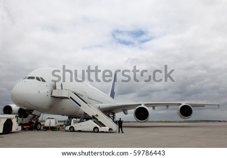 A big aeroplane ready for boarding.